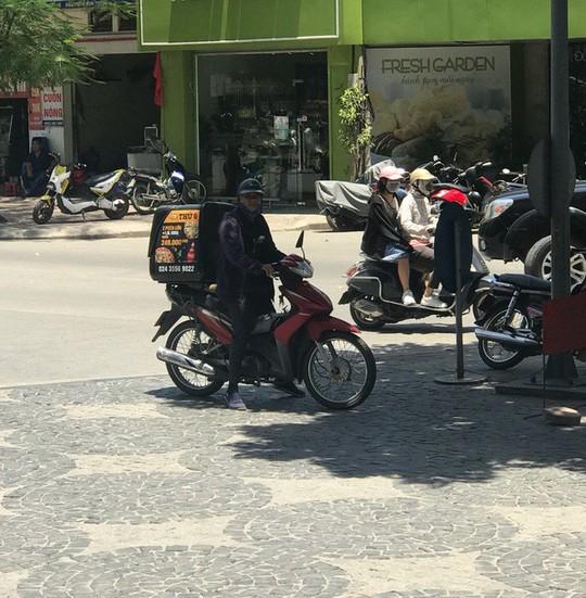 Những nghề kiếm bộn tiền trong ngày nắng nóng - Ảnh 1.