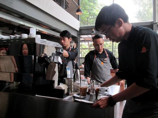 4 năm khởi nghiệp, Nguyễn Hải Ninh đã có 100 quán cà phê khắp cả nước - Ảnh 1.