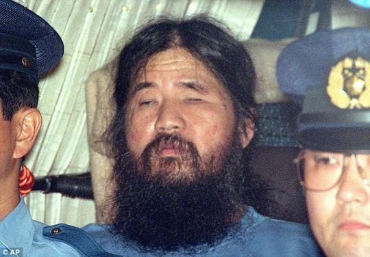 Nhật treo cổ trùm giáo phái tận thế - Ảnh 1.