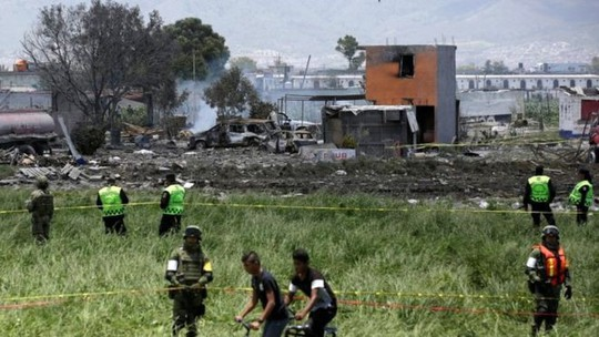 Nổ kho pháo hoa khiến mây tuôn lửa, 24 người thiệt mạng - Ảnh 1.