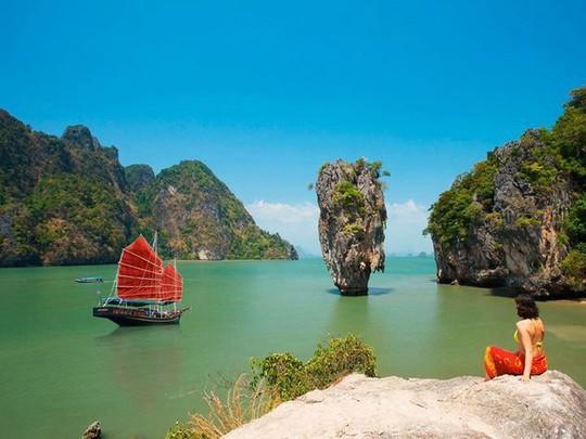 Vì sao đảo Phuket thu hút du khách quốc tế? - Ảnh 2.