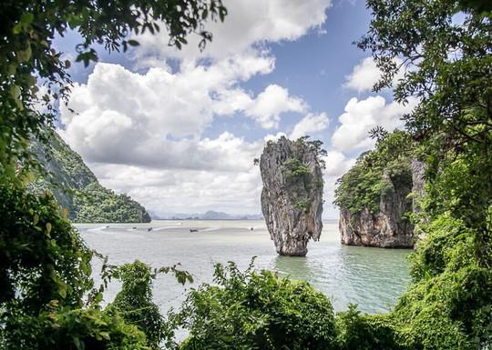 Vì sao đảo Phuket thu hút du khách quốc tế? - Ảnh 3.