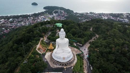 Vì sao đảo Phuket thu hút du khách quốc tế? - Ảnh 7.