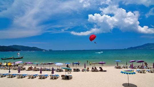 Vì sao đảo Phuket thu hút du khách quốc tế? - Ảnh 8.