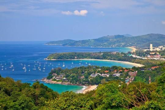 Vì sao đảo Phuket thu hút du khách quốc tế? - Ảnh 10.