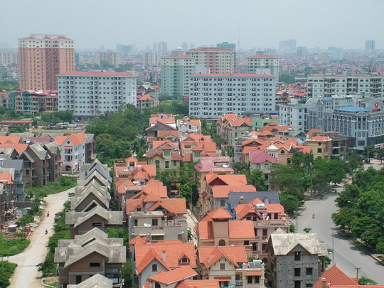 Giá đất tăng cao, người dân khó tạo lập nhà ở - Ảnh 1.