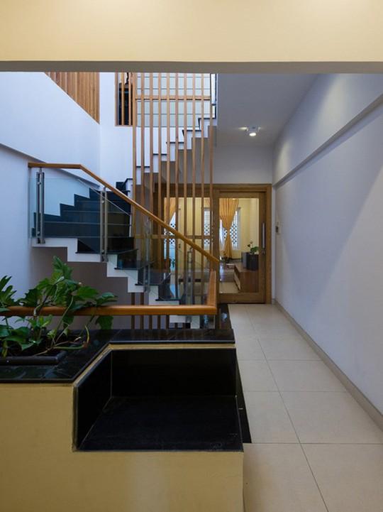 Những bí quyết thiết kế nội thất cho nhà ống hẹp - Ảnh 3.