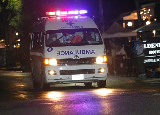 Giải cứu đội bóng mắc kẹt: Có thể mất 4 ngày để cứu 9 người còn lại - Ảnh 4.