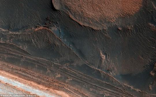 Cận cảnh Sao Hỏa giữa kỷ băng hà - Ảnh 1.