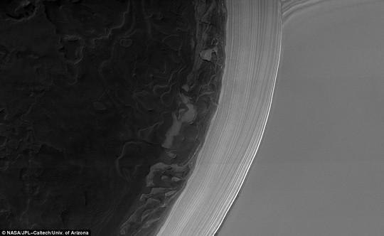 Cận cảnh Sao Hỏa giữa kỷ băng hà - Ảnh 2.