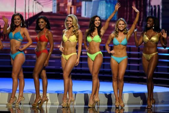 Dẹp bikini, nội bộ cuộc thi Hoa hậu Mỹ mâu thuẫn - Ảnh 2.