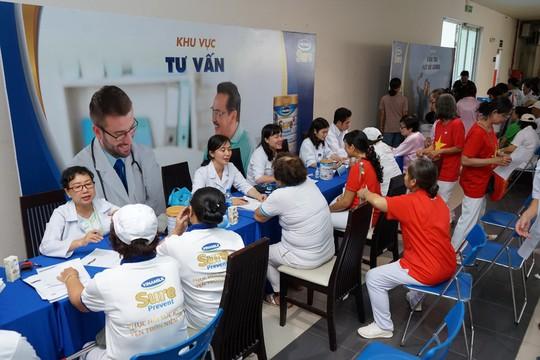 Vinamilk Sure Prevent đồng hành cùng 3.000 người cao tuổi tại TP HCM - Ảnh 4.
