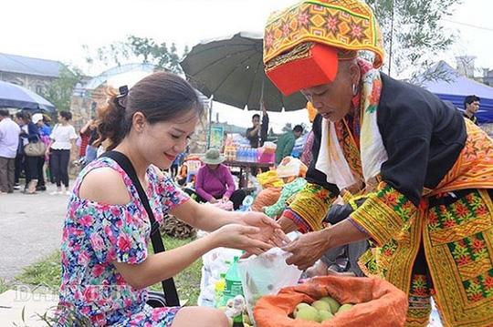 Độc đáo chợ phiên vùng cao Mẫu Sơn - Ảnh 4.