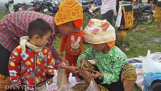 Độc đáo chợ phiên vùng cao Mẫu Sơn - Ảnh 6.