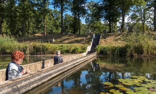 Cầu Vàng Đà Nẵng vào top những cầu đi bộ ấn tượng nhất thế giới - Ảnh 14.