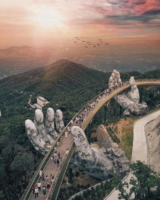 Báo chí quốc tế khen ngợi Cầu Vàng của Việt Nam - Ảnh 3.