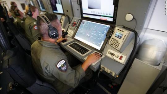 Máy bay Mỹ vạch trần hành động của Trung Quốc ở biển Đông - Ảnh 3.
