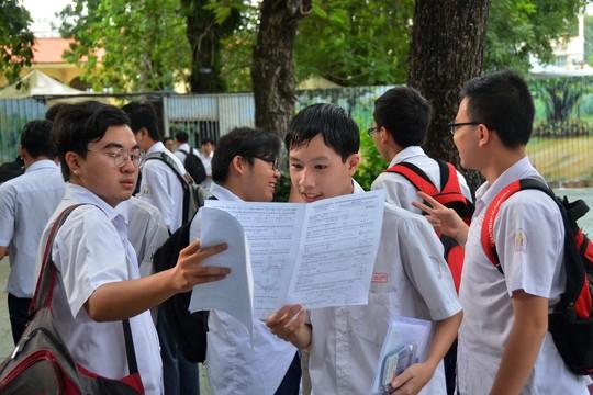 Bỏ thi tốt nghiệp khi có chuẩn đầu ra phổ thông - Ảnh 1.