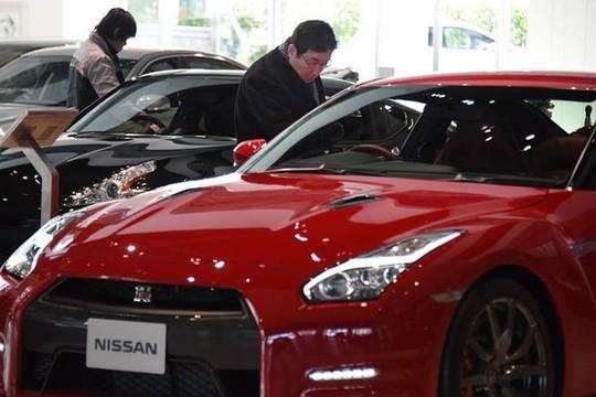 Bán một chiếc siêu xe, Ferrari thu lời 80.000 USD - Ảnh 1.