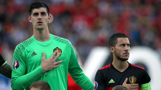 """Lôi kéo Hazard đến Real Madrid, Courtois """"châm dầu vào lửa"""" - Ảnh 1."""