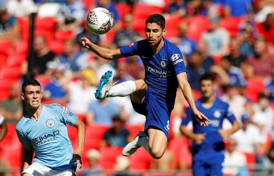Lịch THTT bóng đá cuối tuần: Chelsea đại chiến Man City - Ảnh 1.