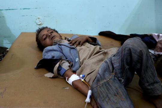 Xe buýt dính đòn thù, 29 trẻ em thiệt mạng - Ảnh 2.
