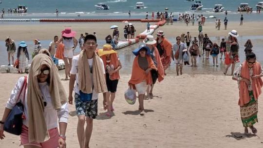 Thái Lan ra sức giữ chân du khách Trung Quốc sau vụ lật thuyền Phuket - Ảnh 1.
