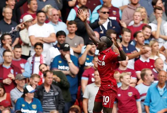Liverpool đè bẹp West Ham, dẫn đầu Premier League - Ảnh 1.