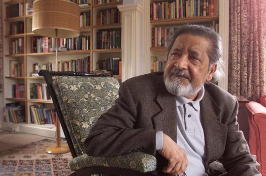 Nhà văn đoạt giải Nobel qua đời - Ảnh 2.