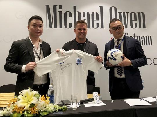 Michael Owen sang Việt Nam ra mắt thương hiệu thời trang riêng - Ảnh 1.