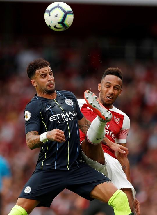 HLV Guardiola sau trận thắng Arsenal: Man City sẽ còn mạnh hơn... - Ảnh 2.