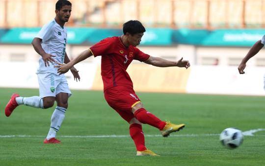 Olympic Việt Nam - Olympic Pakistan 3-0: Cảm xúc trái ngược vì Công Phượng - Ảnh 1.