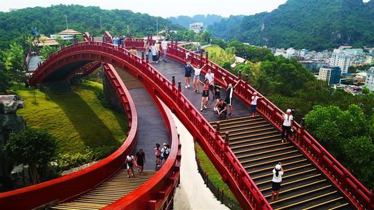 Điểm danh 3 cây cầu nhất định phải check-in một lần trong đời - Ảnh 2.