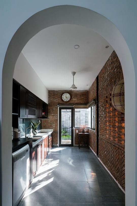 Ngôi nhà gạch ở Đà Nẵng được tạp chí Mỹ khen ngợi vì quá đẹp - Ảnh 11.