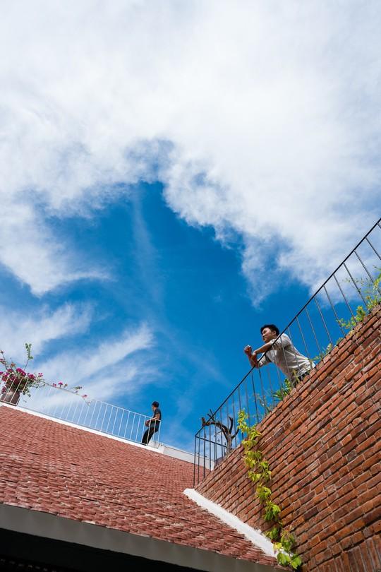 Ngôi nhà gạch ở Đà Nẵng được tạp chí Mỹ khen ngợi vì quá đẹp - Ảnh 21.