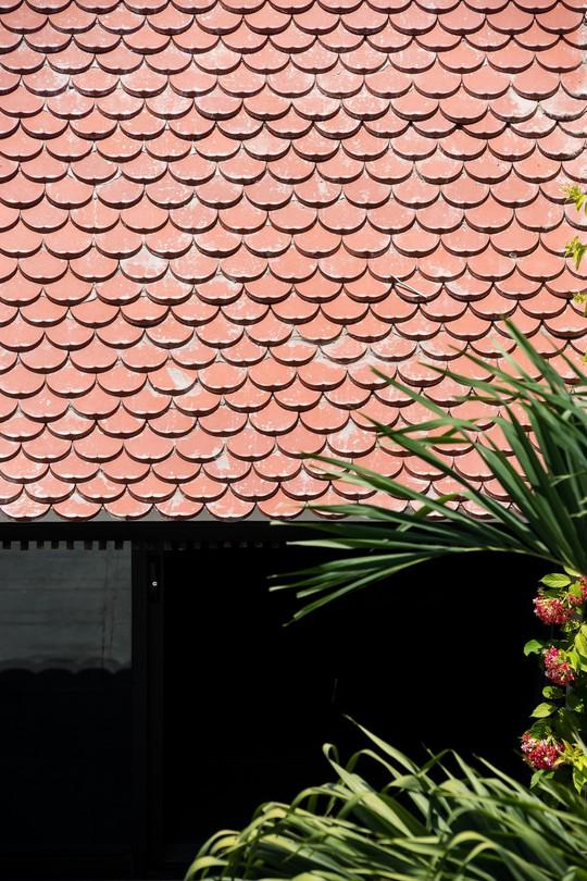 Ngôi nhà gạch ở Đà Nẵng được tạp chí Mỹ khen ngợi vì quá đẹp - Ảnh 4.