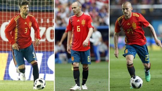 Thất bại World Cup, tuyển Tây Ban Nha mất ngay ba hảo thủ - Ảnh 3.