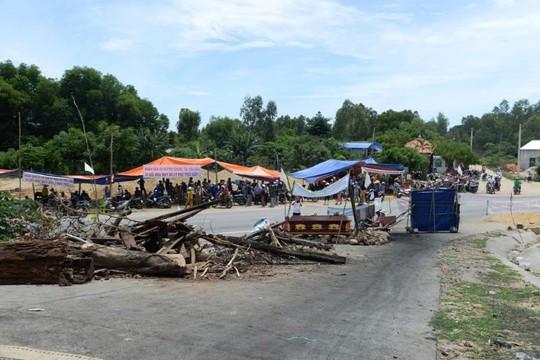 Căng thẳng đối thoại rác thải sinh hoạt ở Quảng Ngãi - Ảnh 1.