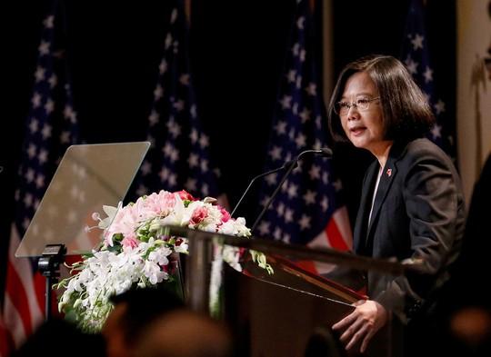 Mỹ nồng nhiệt đón tiếp lãnh đạo Đài Loan, Trung Quốc sôi máu - Ảnh 4.