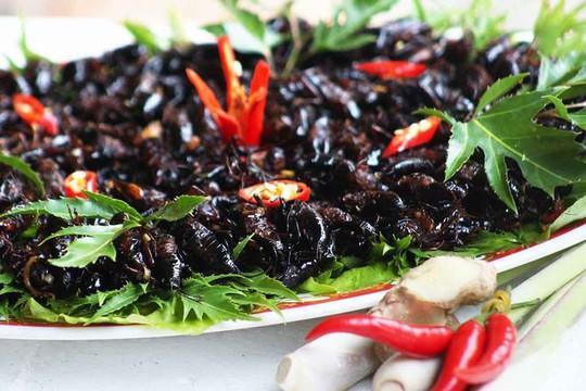 Dế xào sả ớt - món ăn níu chân du khách ở Lâm Đồng - Ảnh 6.