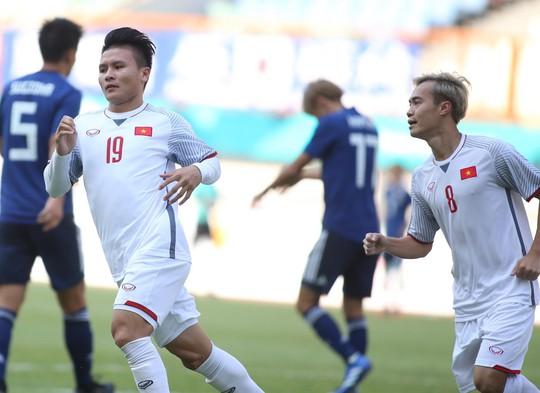 Thắng Nhật 1-0, Olympic Việt Nam giành ngôi nhất bảng - Ảnh 2.