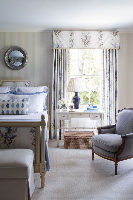 Phòng ngủ cũ kỹ lột xác nhờ mẫu rèm cửa mới nhất - Ảnh 2.
