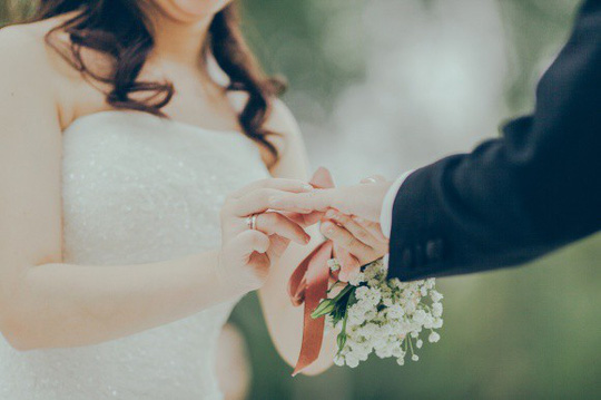 Không khó để trị người tình lì lợm của chồng - Ảnh 1.
