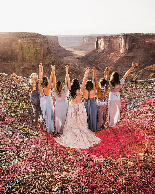 Đám cưới trên lưới giăng qua 2 vách núi cao hơn 100m! - Ảnh 3.