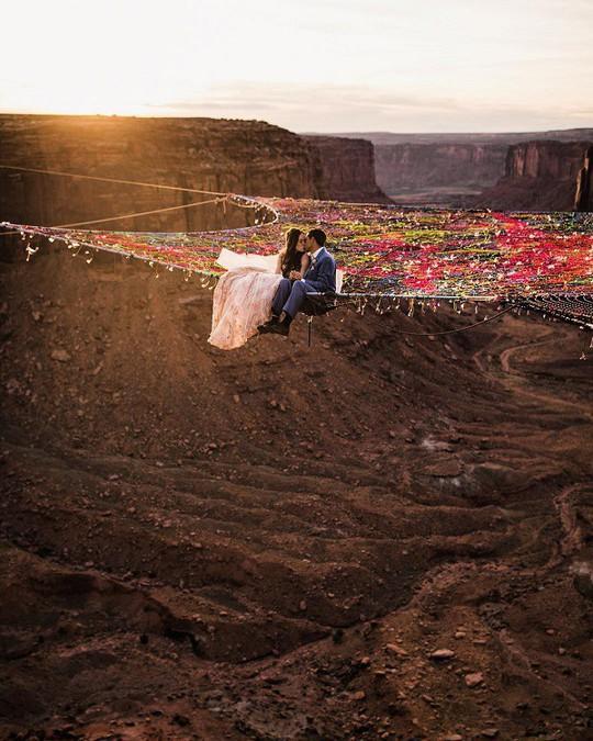 Đám cưới trên lưới giăng qua 2 vách núi cao hơn 100m! - Ảnh 4.