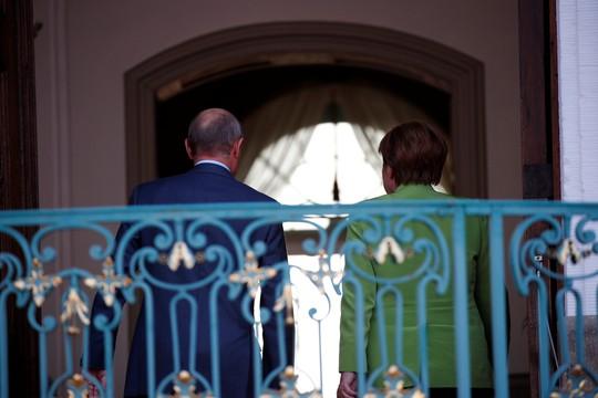 Ông Putin và bà Merkel bàn bạc gì bên ngoài Berlin? - Ảnh 8.