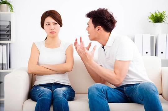 Tuyệt chiêu của vợ khuất phục chồng gia trưởng - Ảnh 1.