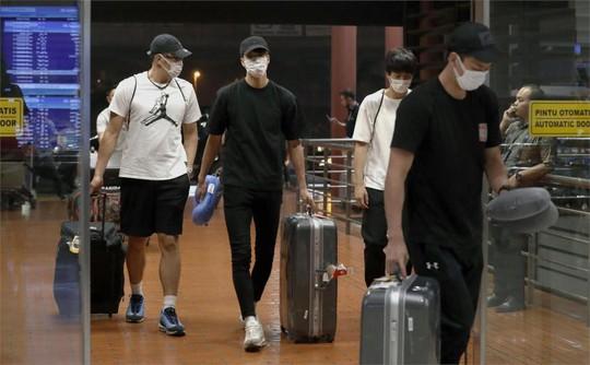 4 VĐV Nhật Bản bị đuổi về nước vì qua đêm với gái mại dâm - Ảnh 1.