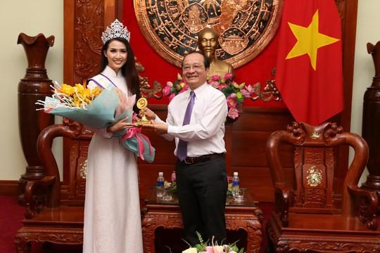 Hoa hậu Đại sứ Du lịch thế giới Phan Thị Mơ về thăm Tiền Giang - Ảnh 4.