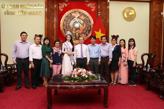 Hoa hậu Đại sứ Du lịch thế giới Phan Thị Mơ về thăm Tiền Giang - Ảnh 2.